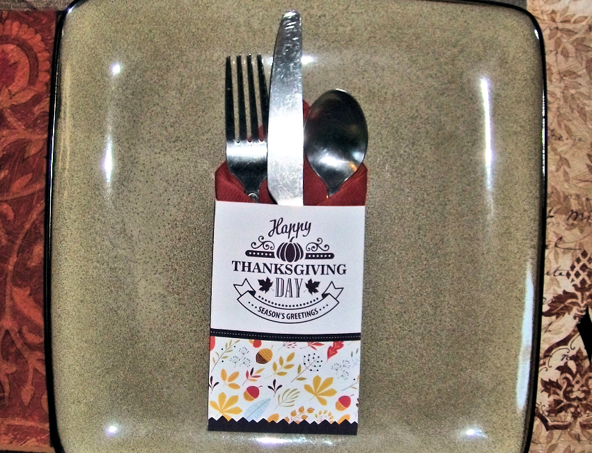 Printable Thanksgiving Silverware Pocket Freebie